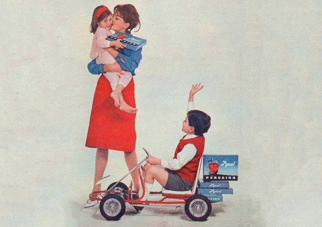 Pubblicità di Baci® Perugina® per la festa della mamma: raffigura una mamma con i figli