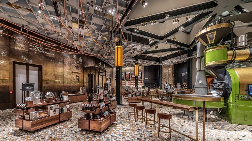 Reserve Roastery Store italiana di Starbucks presso il Palazzo Broggi di Milano